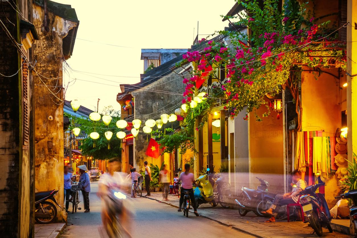 投資信託で評判の「CAMベトナムファンド」の運用成績・見通しを評価!ベトナム株式市場自体がすでに過熱気味?