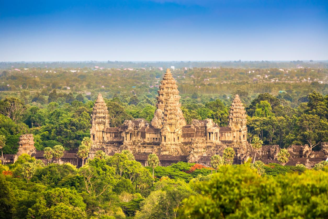 健全な財政を維持する今後期待のカンボジアの経済成長。株式投資に向けた政治経済・財政のファンダメンタル分析を実施!