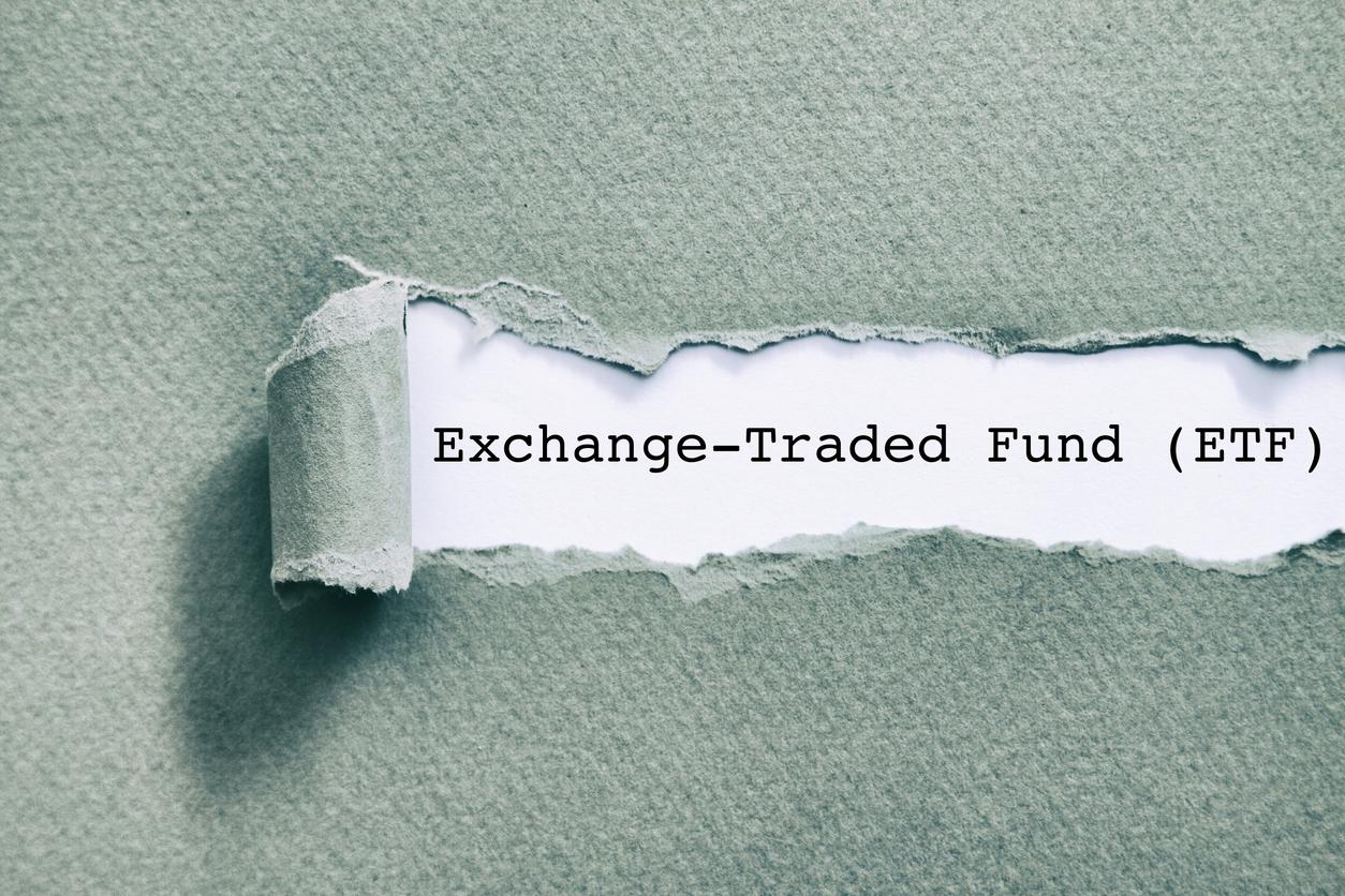 海外ETFと投資信託の違いを徹底比較・最も利回りが高いのは?